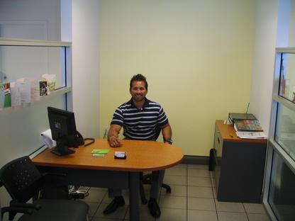 Emir Blanco Campus Nissan Leaf