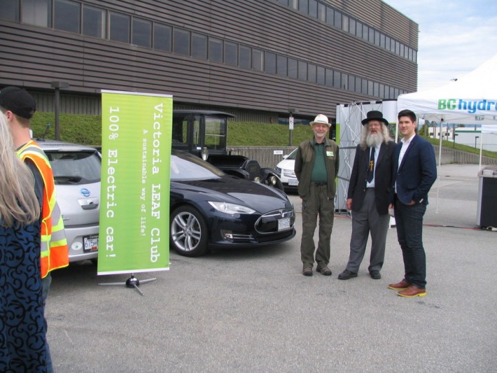 Victoria Leaf Club at BC Hydro Level 3 Charger at Powertec Research Lab.