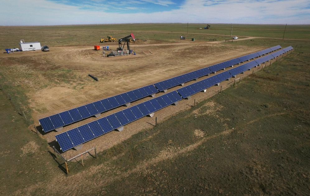solar_powered_pump_jack